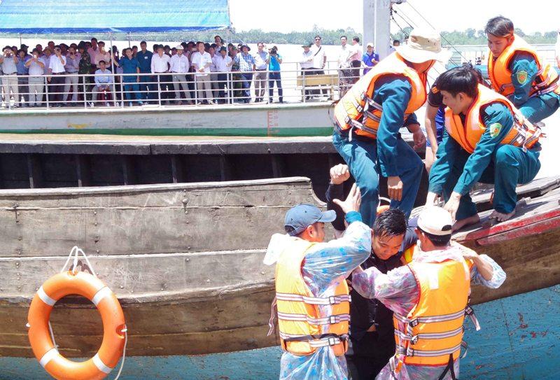 Tập huấn tìm kiếm cứu hộ, cứu nạn