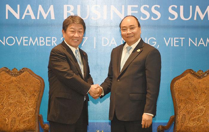 Thủ tướng Nguyễn Xuân Phúc tiếp các đối tác bên lề Hội nghị Thượng đỉnh Kinh doanh Việt Nam