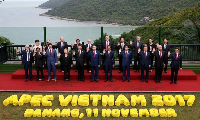 """Hội nghị các nhà lãnh đạo kinh tế APEC lần thứ 25 thông qua Tuyên bố Đà Nẵng """"Tạo động lực mới, cùng vun đắp tương lai chung"""""""