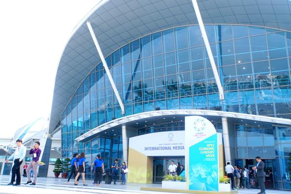 Tác nghiệp tại Trung tâm Báo chí Quốc tế  APEC 2017