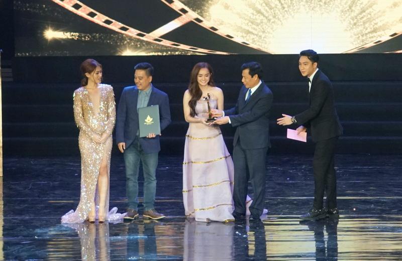 """""""Sống và kể lại"""" đạt giải Bông sen Vàng Liên hoan phim Việt Nam lần thứ 20"""