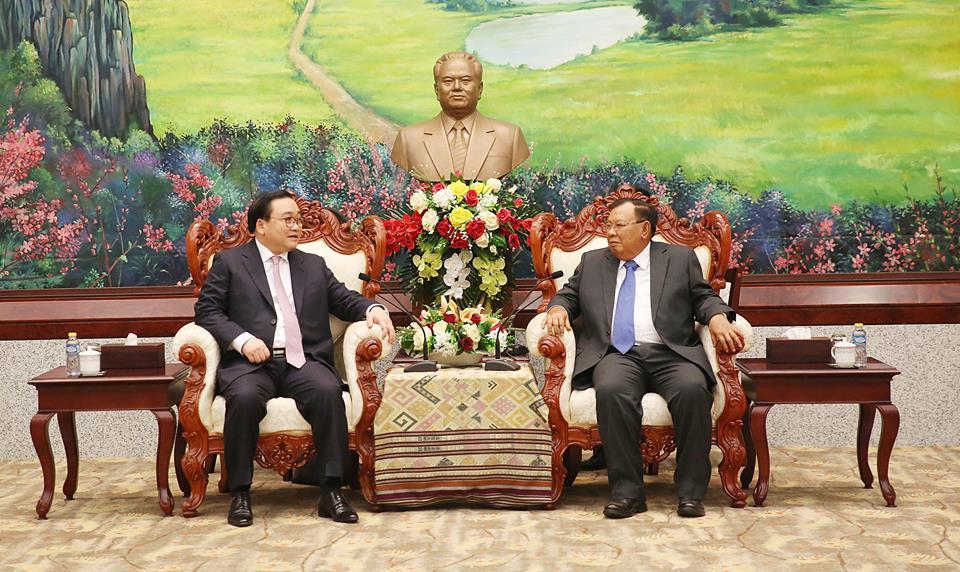 Bí thư Thành ủy Hà Nội Hoàng Trung Hải hội kiến các nhà lãnh đạo CHDCND Lào