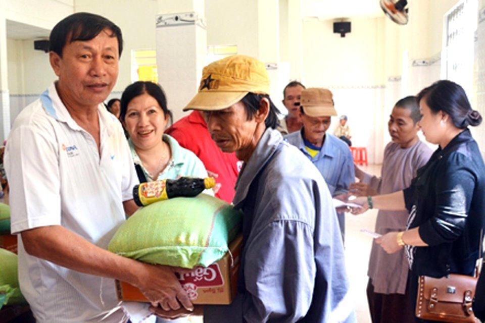 Hội Chữ thập đỏ tỉnh kêu gọi toàn xã hội chung tay ủng hộ, giúp đỡ các đối tượng hoàn cảnh đặc biệt khó khăn