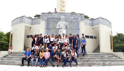 Đoàn khách của 11 tỉnh, thành phố tham quan, tìm hiểu các điểm du lịch Bạc Liêu
