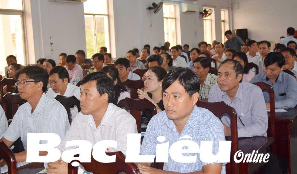 Đoàn đại biểu Quốc hội tỉnh tiếp xúc cử tri huyện Hòa Bình