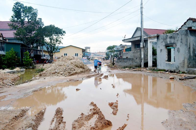 Quảng Ninh: Cần sớm hoàn thiện hạ tầng khu tái định cư ở Vân Đồn