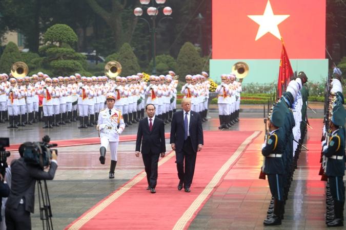 Lễ đón chính thức Tổng thống Hoa Kỳ Donald Trump tại Thủ đô Hà Nội