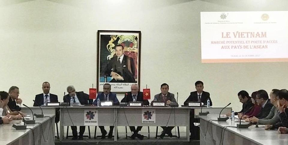 Việt Nam thị trường tiềm năng, cửa ngõ vào ASEAN