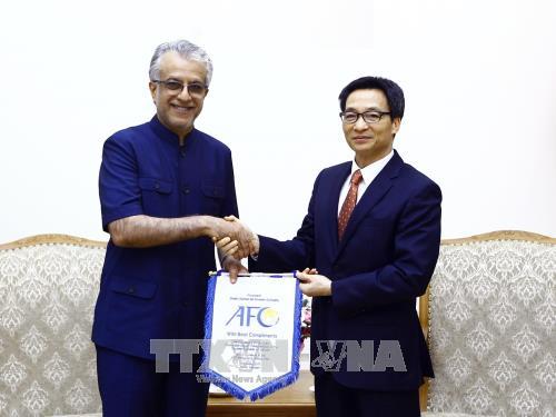 Phó Thủ tướng Chính phủ Vũ Đức Đam tiếp Chủ tịch Liên đoàn Bóng đá châu Á