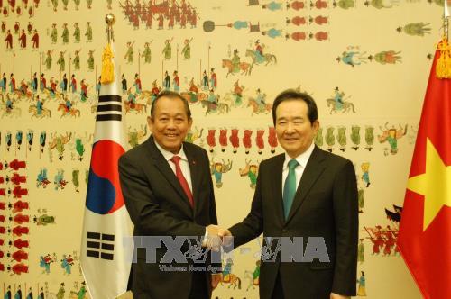 Phó Thủ tướng Thường trực Trương Hòa Bình tiếp tục chuyến thăm Hàn Quốc