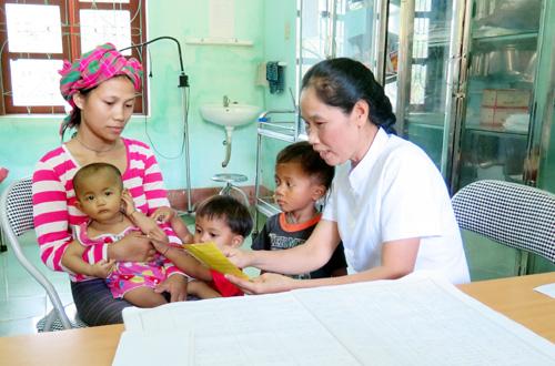 Tổ chức kiểm tra công tác chăm sóc sức khỏe sinh sản năm 2017