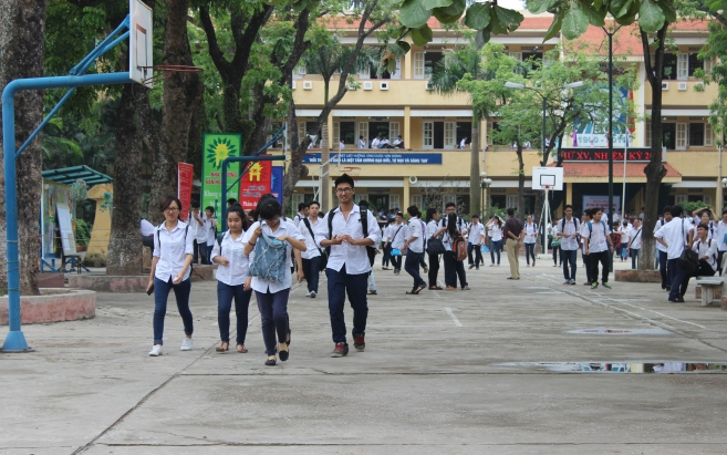 Dự thảo sửa đổi Luật Giáo dục: Nâng lương giáo viên, miễn học phí THCS công lập