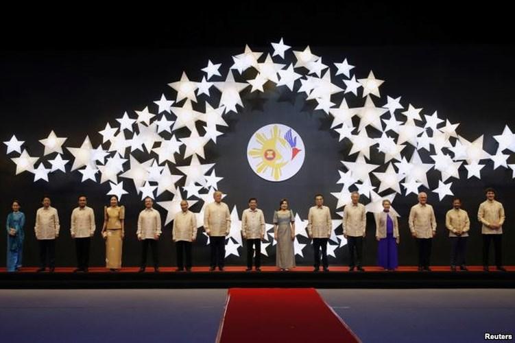 Thủ tướng Nguyễn Xuân Phúc dự Khai mạc Hội nghị Cấp cao ASEAN lần thứ 31