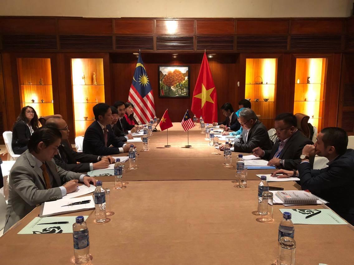 Bộ Thương mại quốc tế và Công nghiệp Malaysia làm việc với Bộ Công Thương trong khuôn khổ APEC