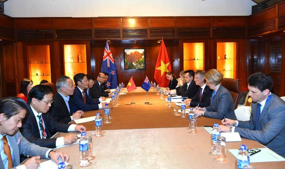 Bộ trưởng Bộ Phát triển Kinh tế, Môi trường, Thương mại và Phát triển xuất khẩu New Zealand làm việc với Bộ Công Thương trong khuôn khổ APEC