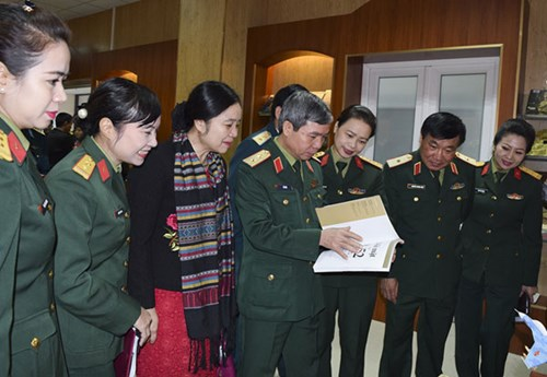 """Triển lãm """"Hà Nội - Điện Biên Phủ trên không"""" diễn ra đến hết ngày 31/12"""