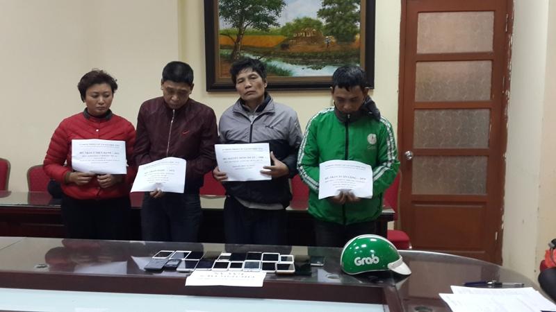 Hà Nội: Mật phục bắt giữ 4 đối tượng trong đường dây móc túi  