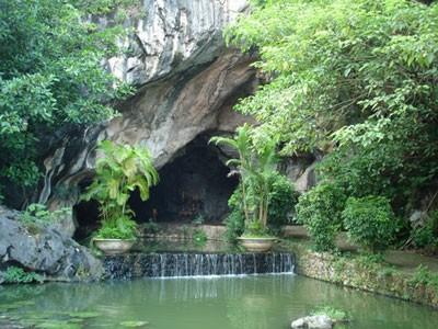 Bảo tồn, tôn tạo di tích khảo cổ hang Con Moong (Thanh Hóa)