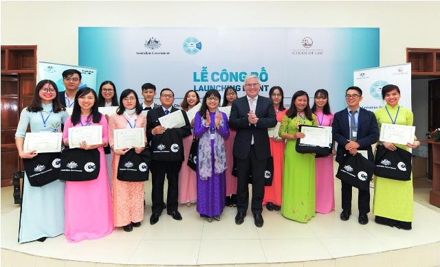 Australia hỗ trợ đào tạo sau đại học chuyên ngành pháp luật về quyền con người tại Việt Nam