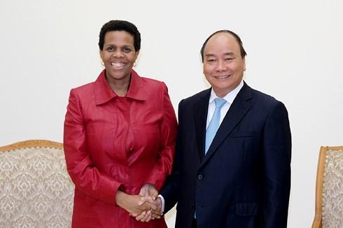 Thủ tướng Nguyễn Xuân Phúc tiếp Đại sứ Nam Phi