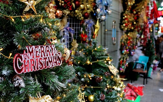 Hà Nội: Nhộn nhịp không khí chuẩn bị đón Noel