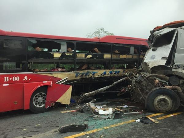 Năm 2017,  hơn 8000 người chết vì tai nạn giao thông