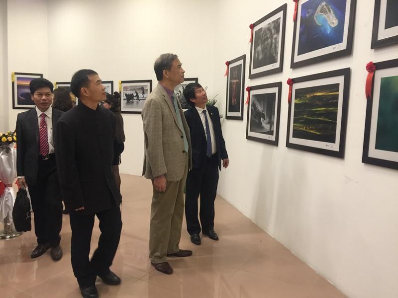 Việt Nam giành 4 huy chương Vàng tại Cuộc thi ảnh nghệ thuật quốc tế lần thứ 9