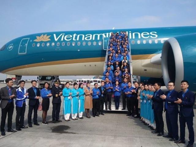 """""""Chuyến bay thanh niên VN 224"""" chào mừng Đại hội Đoàn toàn quốc lần thứ XI"""
