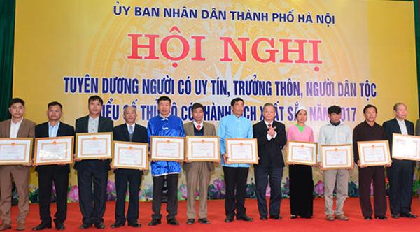 Hà Nội: Tuyên dương người có uy tín, trưởng thôn, người dân tộc thiểu số có thành tích xuất sắc