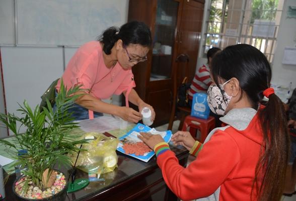 Việt Nam mua thuốc ARV rẻ hơn nguồn viện trợ từ 15 - 17%