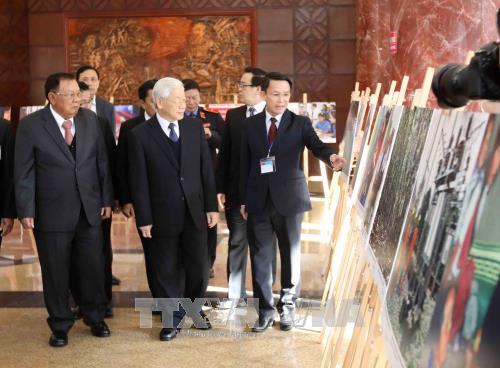Những thời khắc lịch sử của tình đoàn kết, hữu nghị thủy chung, son sắt giữa hai dân tộc  Việt Nam-Lào