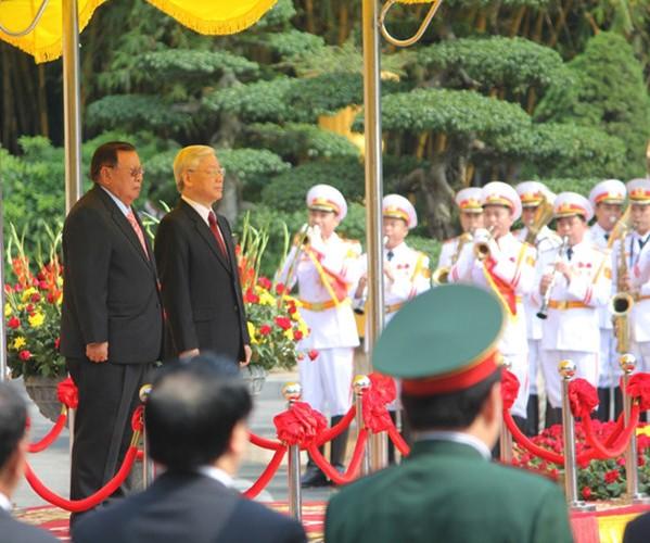 Mối quan hệ hữu nghị truyền thống Việt-Lào, Lào-Việt Nam mãi mãi xanh tươi, đời đời bền vững
