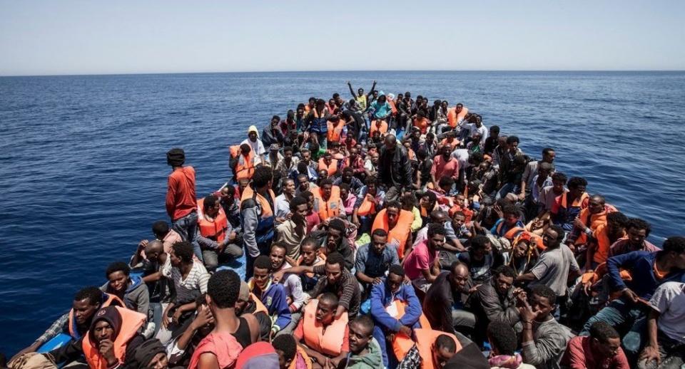 Vấn đề người di cư: Hàng nghìn người di cư được giải cứu tại Địa Trung Hải