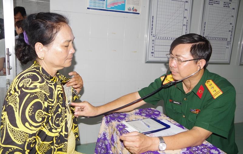 Sóc Trăng: Hơn 300 người dân được khám bệnh, cấp thuốc miễn phí