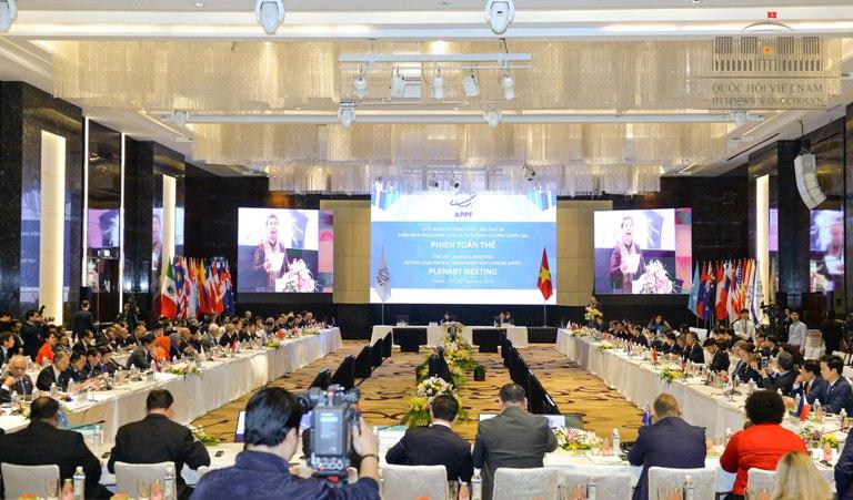 Thúc đẩy ngoại giao nghị viện vì hòa bình, an ninh, thịnh vượng trong khu vực và trên thế giới