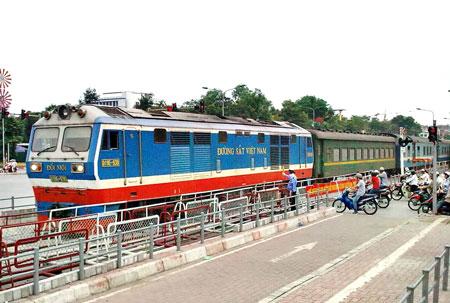 Điều chỉnh kế hoạch lập lại trật tự hành lang an toàn giao thông đường bộ, đường sắt