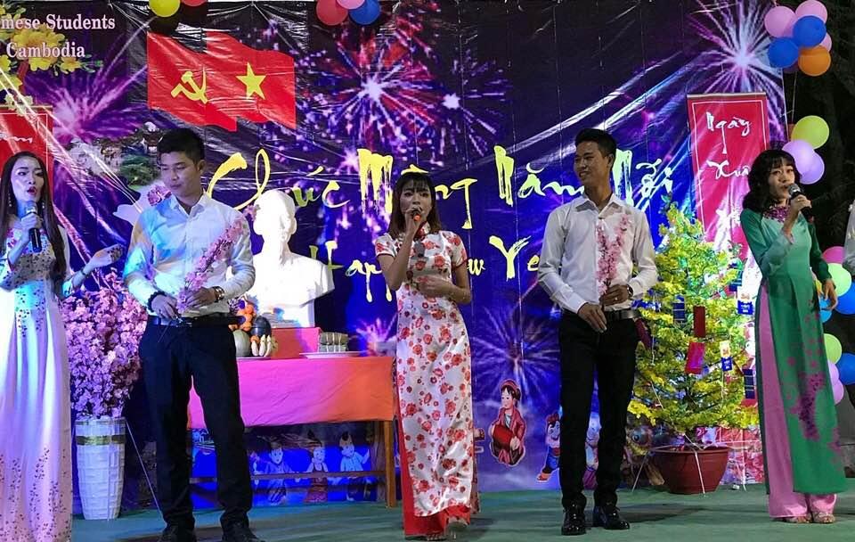 Sinh viên Việt Nam tại Campuchia chào đón Xuân Mậu Tuất 2018