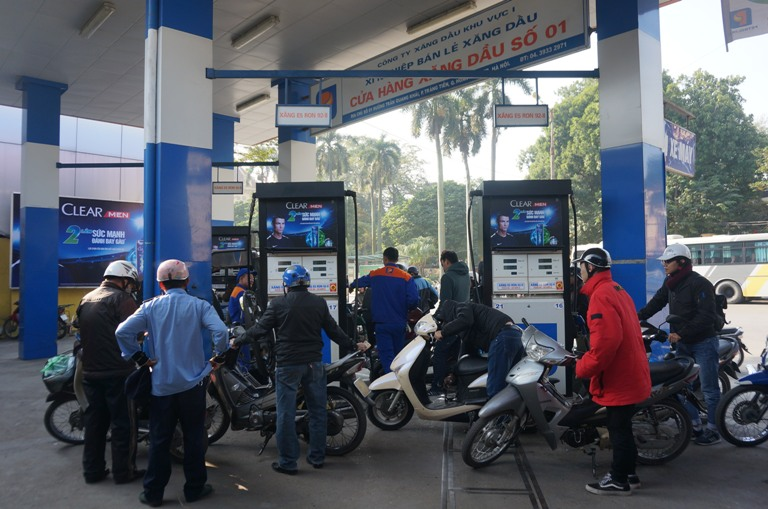 Điều chỉnh giá xăng E5 RON 92 tăng 429 đồng/lít