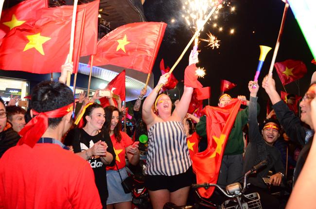Hà Nội tưởng như vỡ tung với chiến thắng lịch sử của U23 Việt Nam