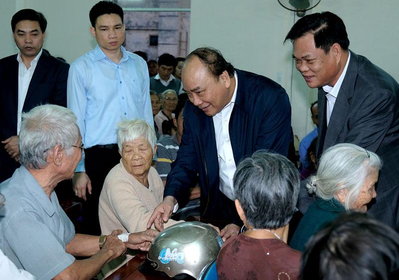 Thủ tướng Nguyễn Xuân Phúc thăm và làm việc tại tỉnh Phú Yên