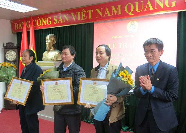 Trao giải Cuộc thi vẽ tranh cổ động chào mừng Đại hội Công đoàn Việt Nam lần thứ XII