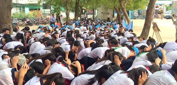 Hơn 1.000 học sinh huyện ven biển tỉnh Ninh Thuận tham gia diễn tập phòng, chống thiên tai