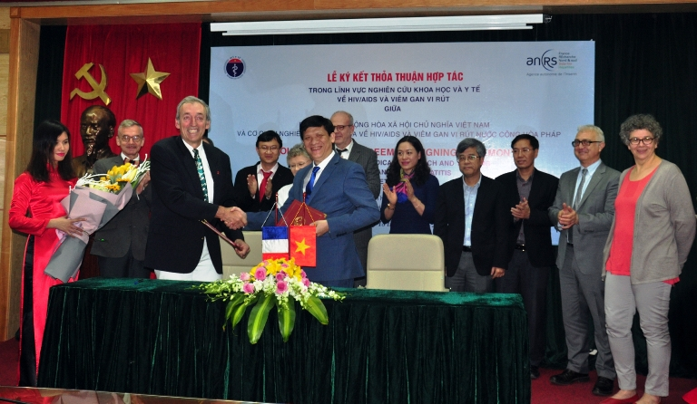 Pháp tiếp tục hỗ trợ Việt Nam phòng chống HIV/AIDS và viêm gan virus