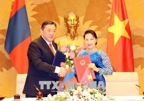 Chủ tịch Quốc hội Nguyễn Thị Kim Ngân đón, hội đàm với Chủ tịch Quốc hội Mông Cổ
