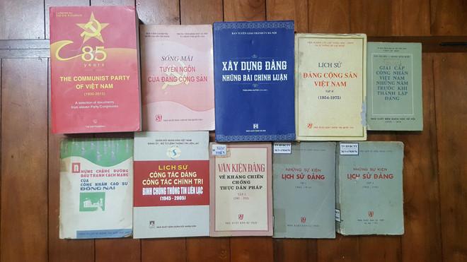 Hội chợ sách cũ Hà Nội giới thiệu sách, ảnh về lịch sử Đảng