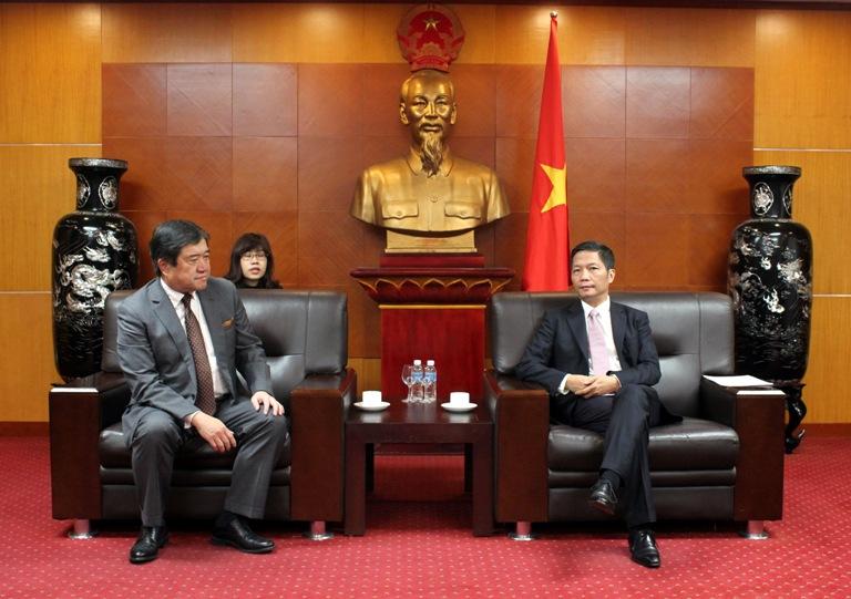 Chủ tịch kiêm Tổng giám đốc Công ty Mitsui & Co Nhật Bản làm việc với Bộ Công Thương