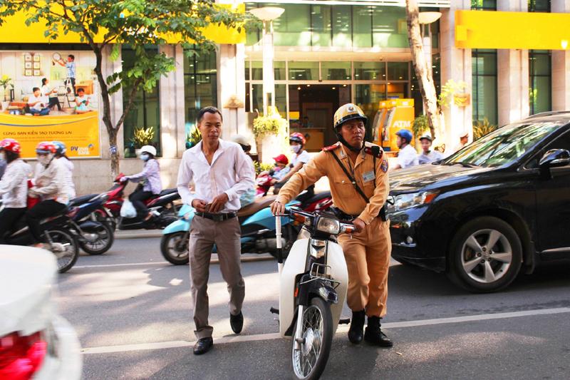 Đảm bảo trật tự, an toàn giao thông trong dịp Tết Nguyên đán Mậu Tuất và Lễ hội xuân năm 2018