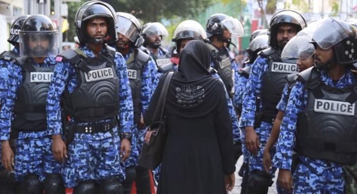 Dư luận về việc Maldives ban bố tình trạng khẩn cấp