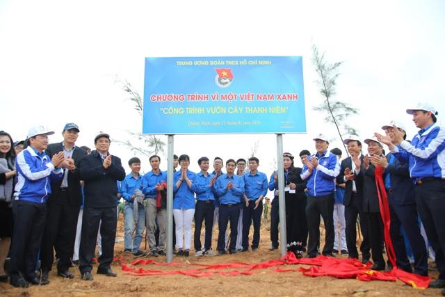 Vietnam Airlines chung tay trồng 11.000 cây xanh tại Quảng Ninh