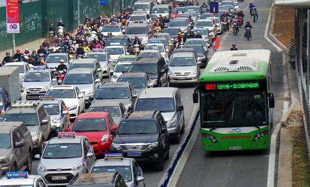 Riêng một làn đường, bus nhanh BRT đã thực sự hiệu quả?